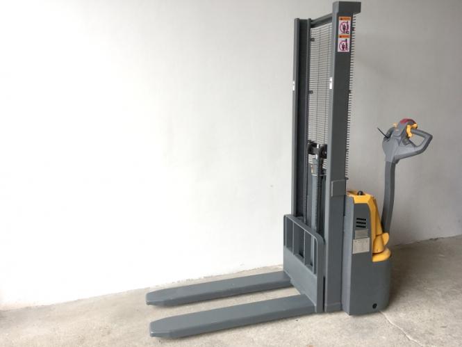 Nový elektrický vysokozdvižný vozík CDD10R-E1016
