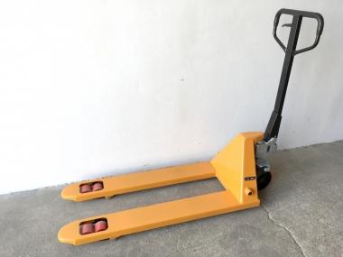 Nový paletový vozík M25, 2500 kg