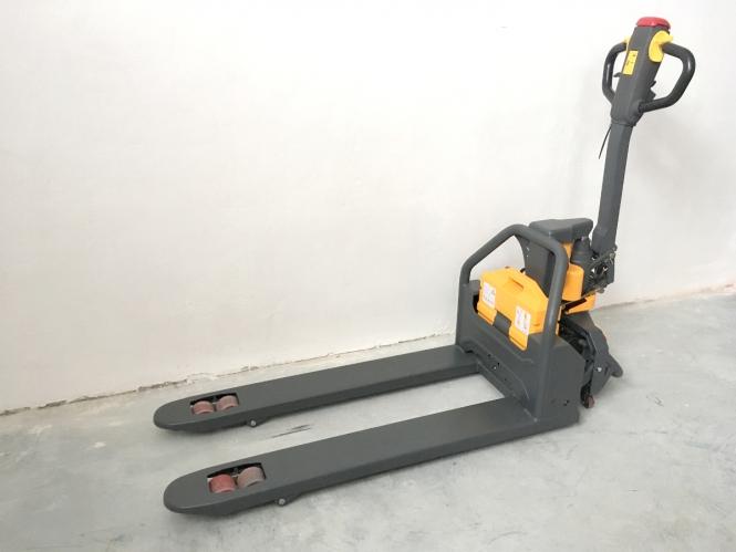 Nový elektrický paletový vozík EM15L - cena na dotaz