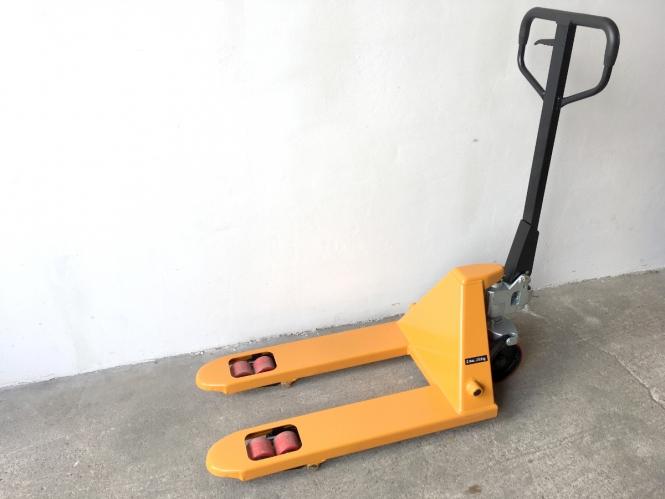 Nový paletový vozík M1000 - krátký, 2500 kg