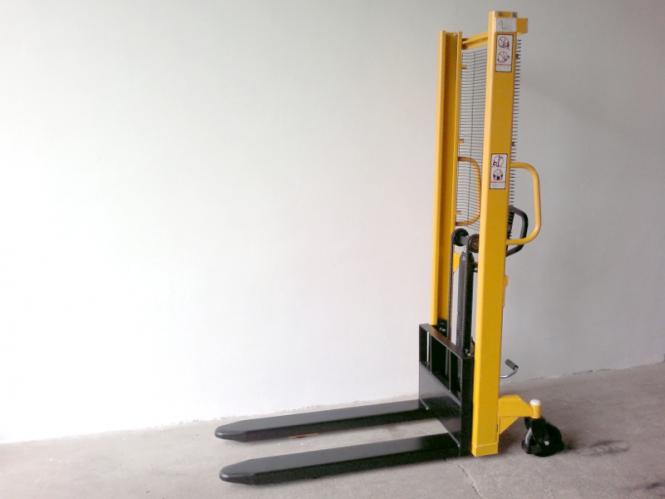 Nový ruční vysokozdvižný vozík MF10/16